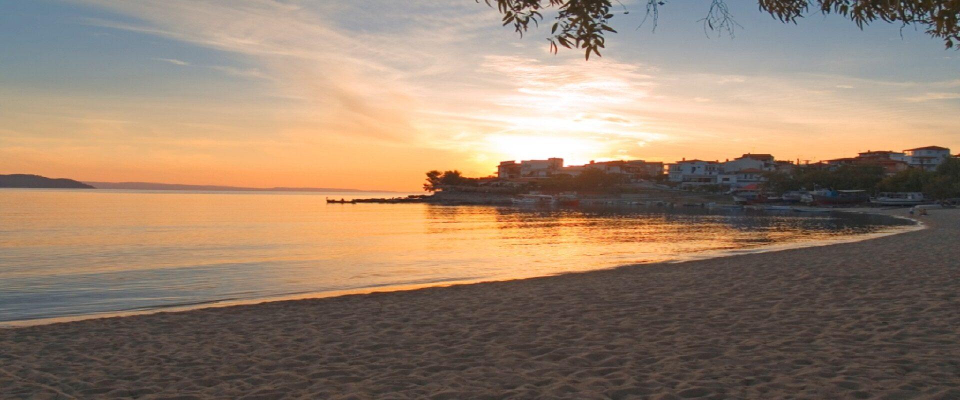 Παραλία Νέος Μαρμαράς